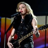 Madonna párizsi koncertjének élő közvetítése!