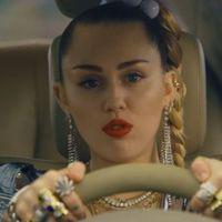 Miért akarják ezek a kislányok lelőni Miley Cyrust?