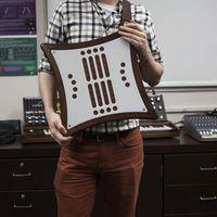 Egy új elektronikus hangszer, a tradicionális hangszerek értékeivel