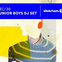 Gondoltad volna? Még egy Junior Boys DJ set is belefér az évedbe.