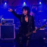 Joan Jett a Foo Fighters mellett + Courtney Love a Foo Fighters ellen