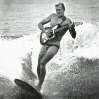 A legsirályabb mai szörfrockdalok a Fit Fat és a Surf Truckerz szerint