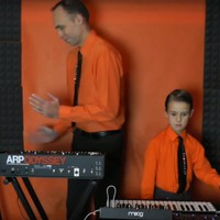 Ilyen, amikor apa és fia Kraftwerket játszik