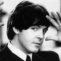 Vegasi prostikkal, koponyalékeléssel és közös maszturbálással egészül ki a Beatles-krónika