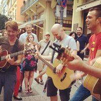 Ma délután utcazene sztárelőadókkal a Mikszáth téren!