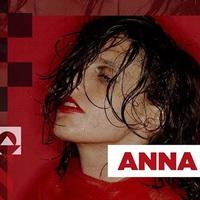 Ma este Anna Calvi az A38 Hajón!