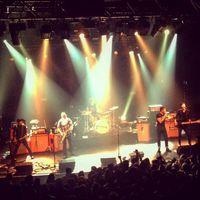 Tragédia az Eagles Of Death Metal párizsi koncertjén: rengeteg halott és sebesült