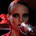 Anna Calvi: Anna Calvi – teljes album! + Wolf Like Me (TV On The Radio-feldolgozás, mp3 + koncertvideó)