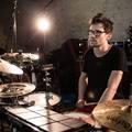 Videópremier! The Hybrid Drummer Trio: Orange and Purple