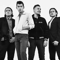 Nem lesz End Show, hanem valami Arctic Monkeys nevű gitározó zenekar zárja a Szigetet