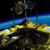 Jack White felküldte az első lemezjátszót az űrbe (majdnem)