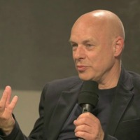 Brian Eno beszél a Red Bull Music Academy-n (81 perces video)