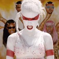 Lady Gaga szöcskét szül a Die Antwoord-klipben