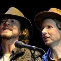 Beck: Corinna, Corinna + Eddie Vedder: Skipping