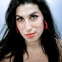 Kételyek Amy Winehouse halála körül?