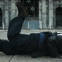 Biztiőr brékel az új Disclosure-klipben (videó)