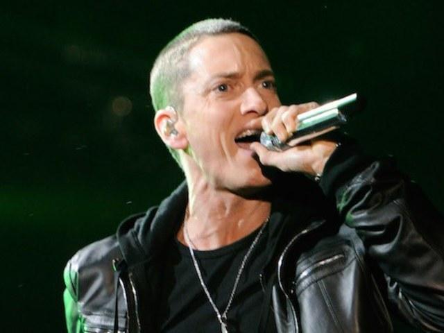 Eminem is beállt a sorba, és kijött egy meglepetésalbummal