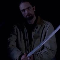 Robert Pattinson farkasszemet néz