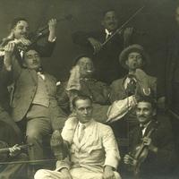 1918 popzenéje: Akácos úton Kaliforniába avagy a Monarchia utolsó slágerei