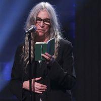 Rangos irodalmi díjban részesül Patti Smith