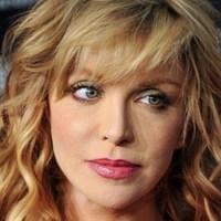 Courtney Love is önéletrajzot ír