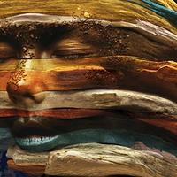 Björk remixalbummal, új videóval jelentkezett