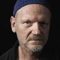 """""""Az egész világból zenét csinálni"""" – Madárdaltól elektronikáig: Cserepes Károly portréja"""