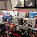 Ingyen megy házhoz a zene! Rendelj lemezeket most kedvezménnyel a Neon Musictól!