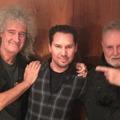 Brian May bocsánatot kért, amiért megvédte a Bohém rapszódia molesztálással vádolt rendezőjét