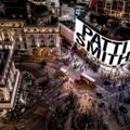 Patti Smith szilveszterkor megszállja a Piccadilly Circust