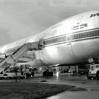 A Kasabian egy repülőgépen koncertezett