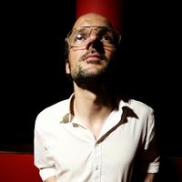 Isolée: kocsonyavámpíros videó és egy streamelhető EP