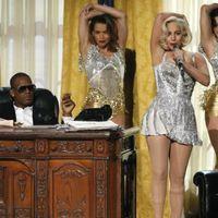 Lady Gaga bocsánatot kért az R. Kellyvel közös száma miatt, és levetette a netről