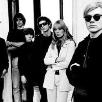 A Velvet Underground beperelte Andy Warhol cégét a banán miatt