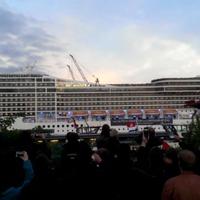 Így játssza egy hajó a Seven Nation Army-t