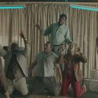 House istentisztelet és vallásos révület a Disclosure új klipjében