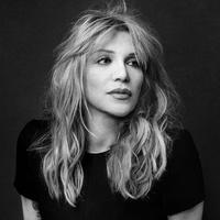 Courtney Love látta Kurt Cobain kísértetét, szexről pedig nem nyilatkozik