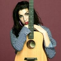 Amy Winehouse: (Money) No More Jazz N' Blues – kiadatlan dal az egy éve elhunyt énekesnőtől!