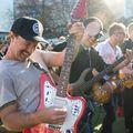 Négyszázötven gitáros zúzott egyszerre a Highway To Hellre