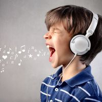 Több zenét a suliba! – A zenetanulás és a zeneterápia jótékony hatásai