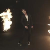 A görkirozó Josh Homme még Hitlert is lepisálja