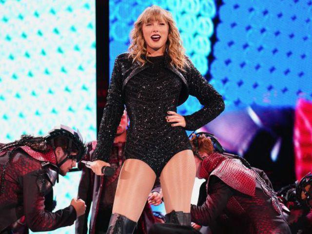 Taylor Swift az ujja köré csavart egy nagyágyú lemezkiadót