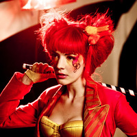 Ma este Gabby Young az A38-on