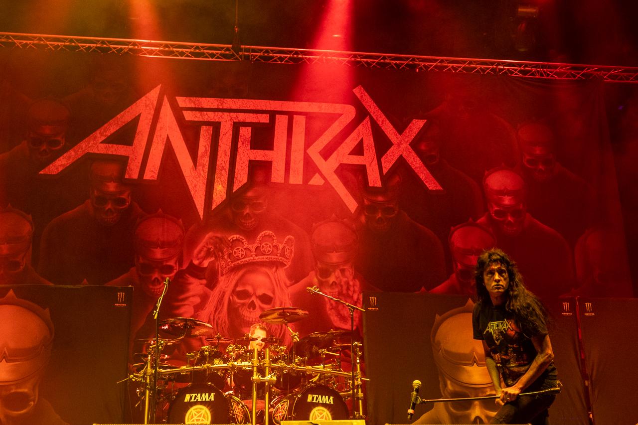 anthrax-06_11_19_bp_xt39403.jpg
