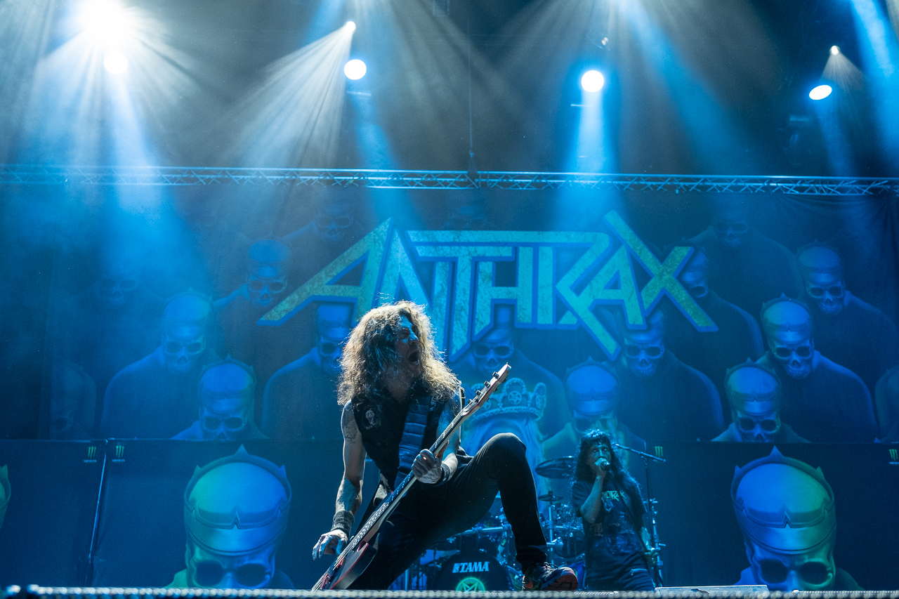 anthrax-06_11_19_bp_xt39442.jpg