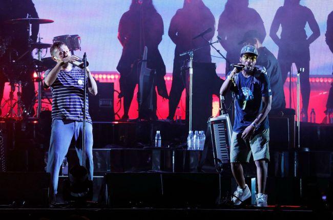 gorillaz-wrap-festival-set-following-del-the-funky-homosapiens-stage-fall.jpg