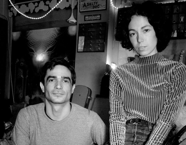 jon-hopkins-and-kelly-lee-owens-photo-by-matthew-mumford_1.png