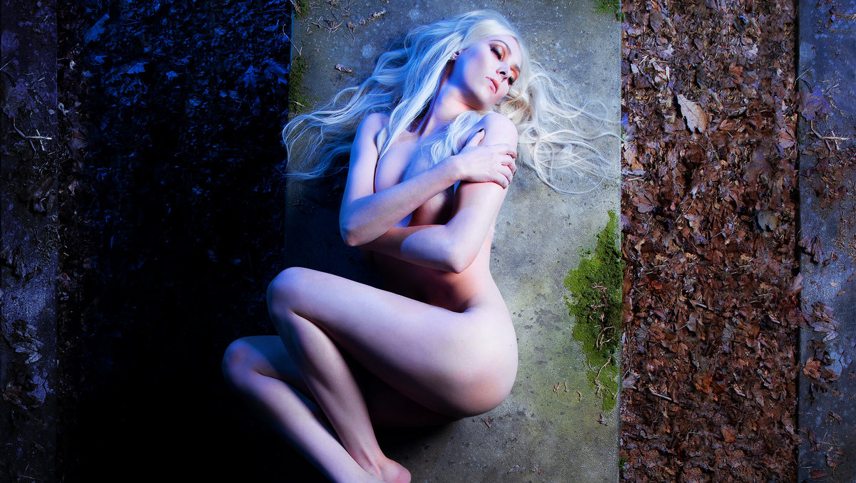 pretty_reckless_death_by_rock_and_roll.jpg