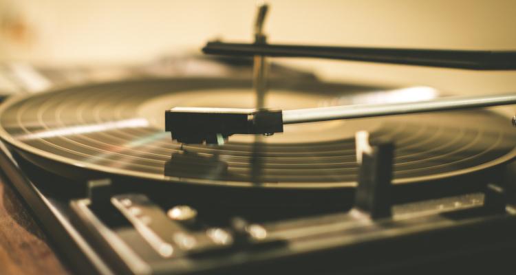 vinyl_cd.jpg