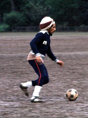 Bob-Marley-Soccer-Football-Dread-Rasta-2.jpg